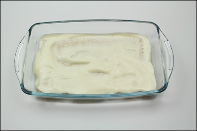 Cracker Cake Cover a layer of sour cream. ?>