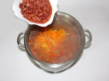 Bean soup Immediately add beans with liquid. ?>